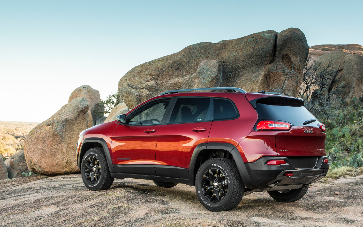 first look 2014 jeep cherokee new cars reviews. Black Bedroom Furniture Sets. Home Design Ideas