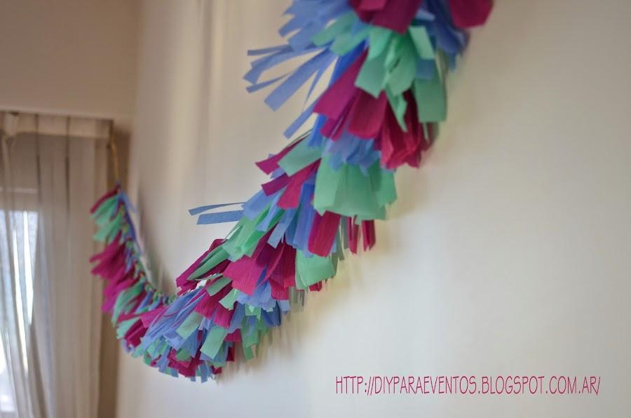 Como hacer guirnaldas de papel crepe - Como hacer cadenetas de papel para fiestas ...