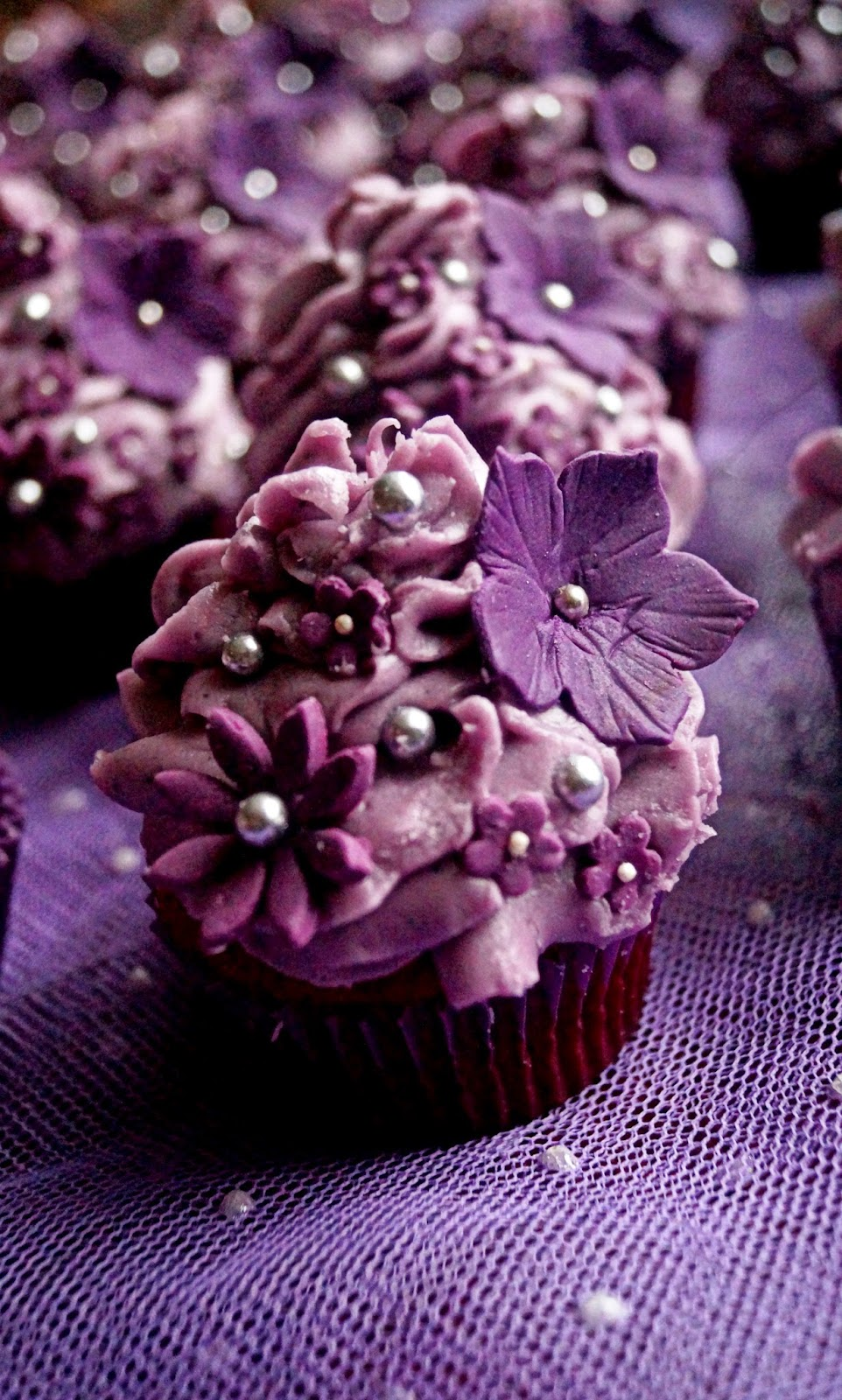 http://cupcakeluvs.blogspot.dk/2015/02/purple-inspiration-purple-dreams-cupcake.html