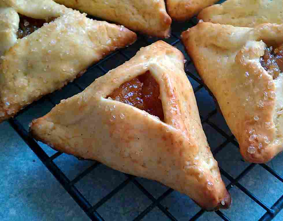 ... the recipe for Hamantaschen Pastrywith Apricot Filling, click HERE