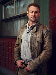 Grant Bowler Follows Geno's World On Twitter
