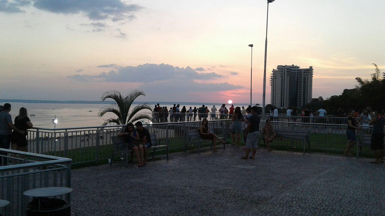 Por do sol  em  Manaus  as