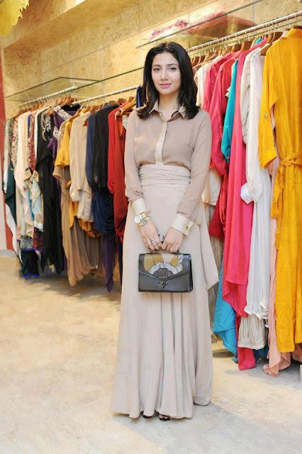 Mahira Khan looking pretty in buteek 2013