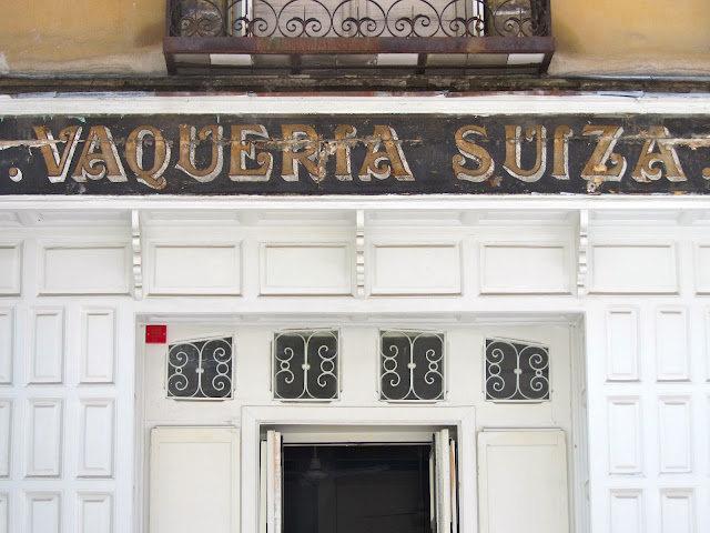 entrance to La Vaqueria Suiza