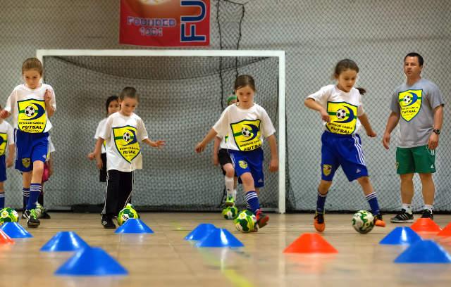 Fundamentos do Futsal - Material de Educação Física 9c044dee90878