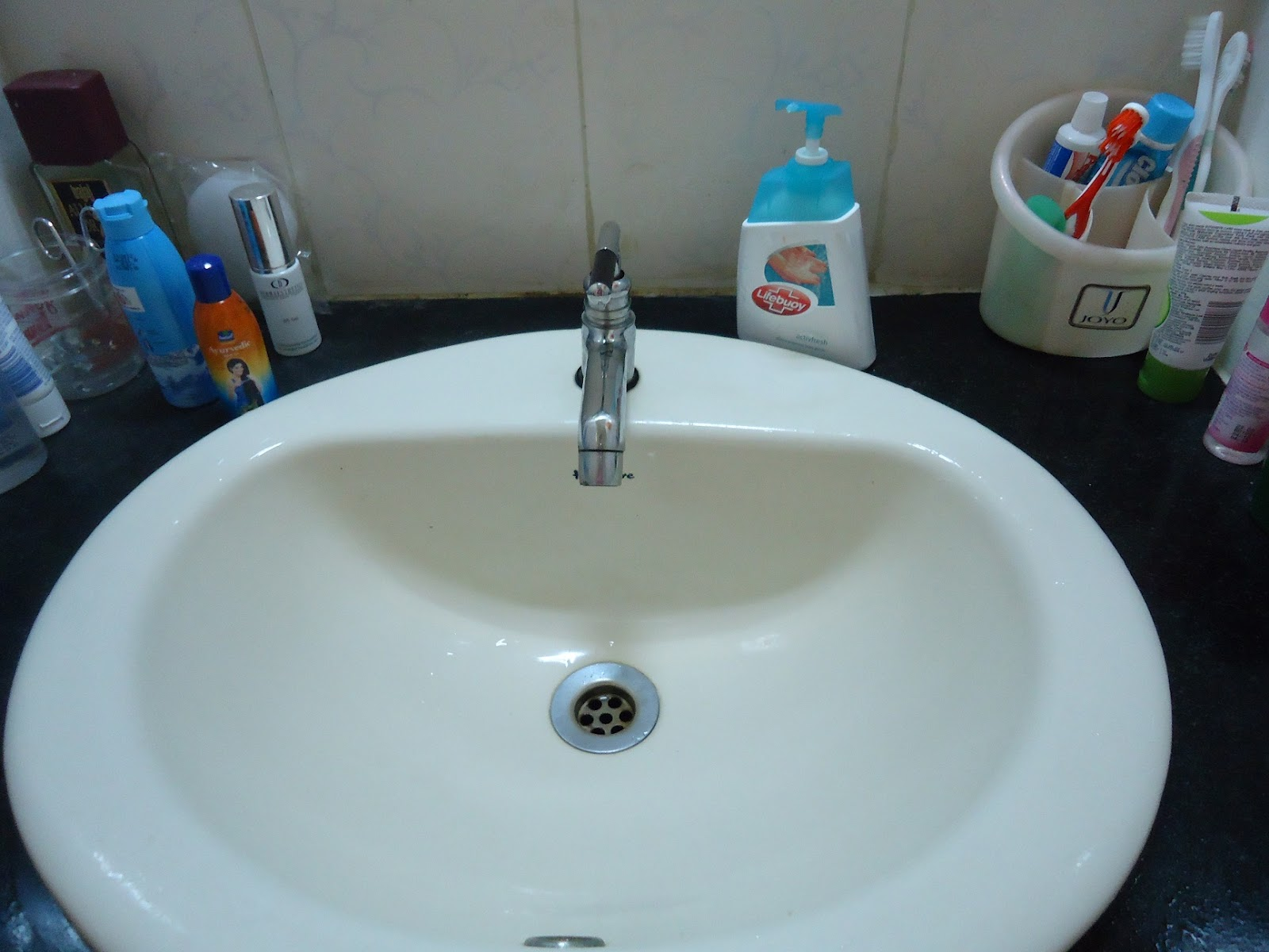 how to clean ceramic sink