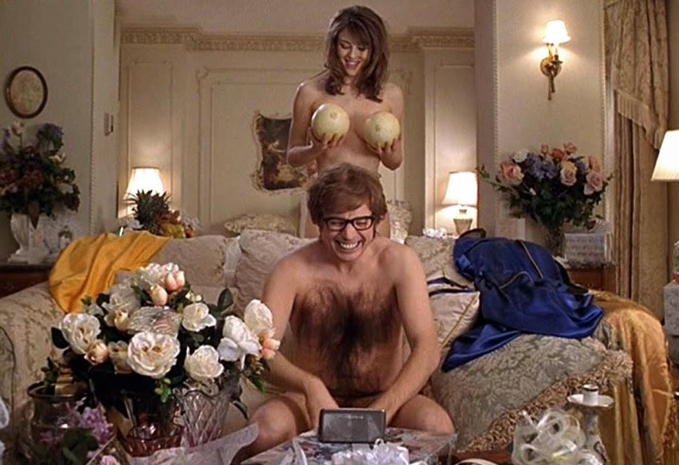 Donatella de la trampa de la miel desnuda