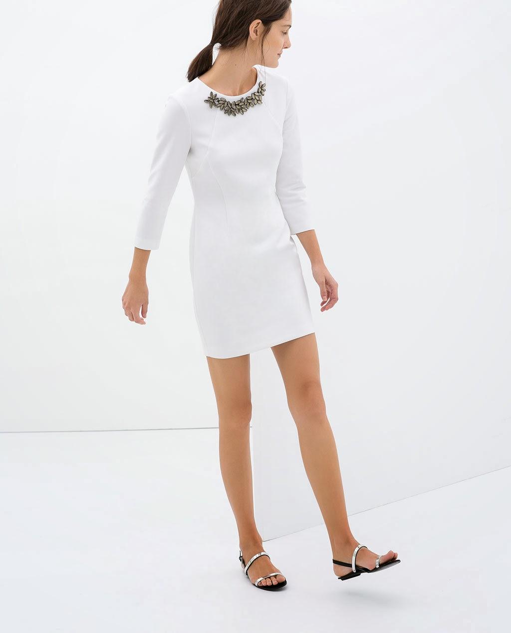 yaka işlemeli elbise, beyaz elbise, kısa elbise