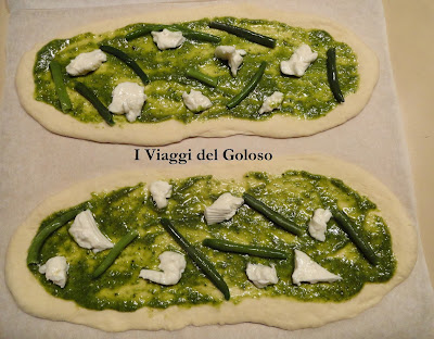 la pizza al pesto