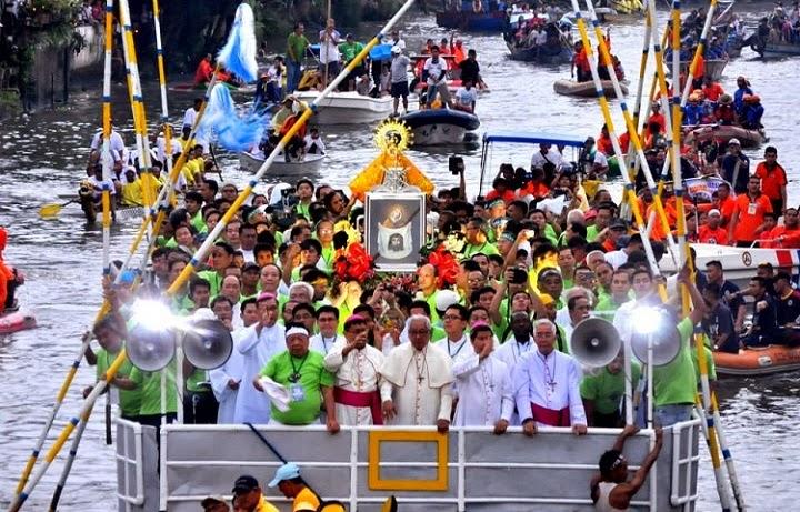 http://3.bp.blogspot.com/-t2b63jdHzhg/UlFlC-AmBkI/AAAAAAAAKxE/ZxdGlMF9REg/s1600/Fluvial+Parade+(1).jpg