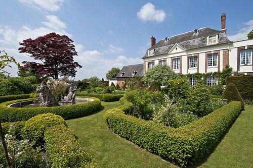 Passeggiare tra parchi giardini e castelli giardini di for Scaffali di campagna francese