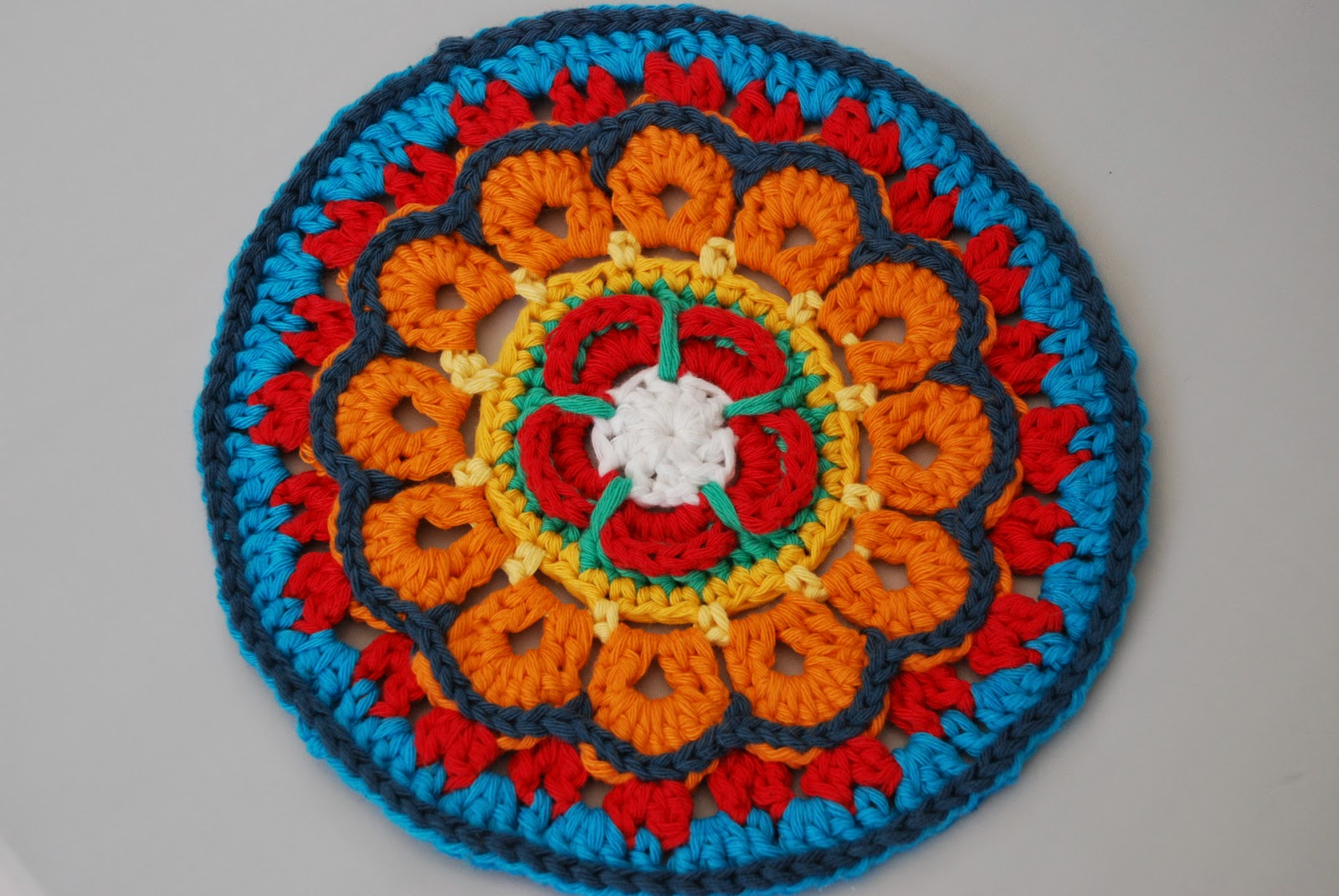Yarndale mandala: hearts and flowers crochet mandala