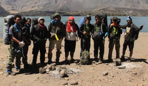 CONSINA FUN HIKING RINJANI 2012