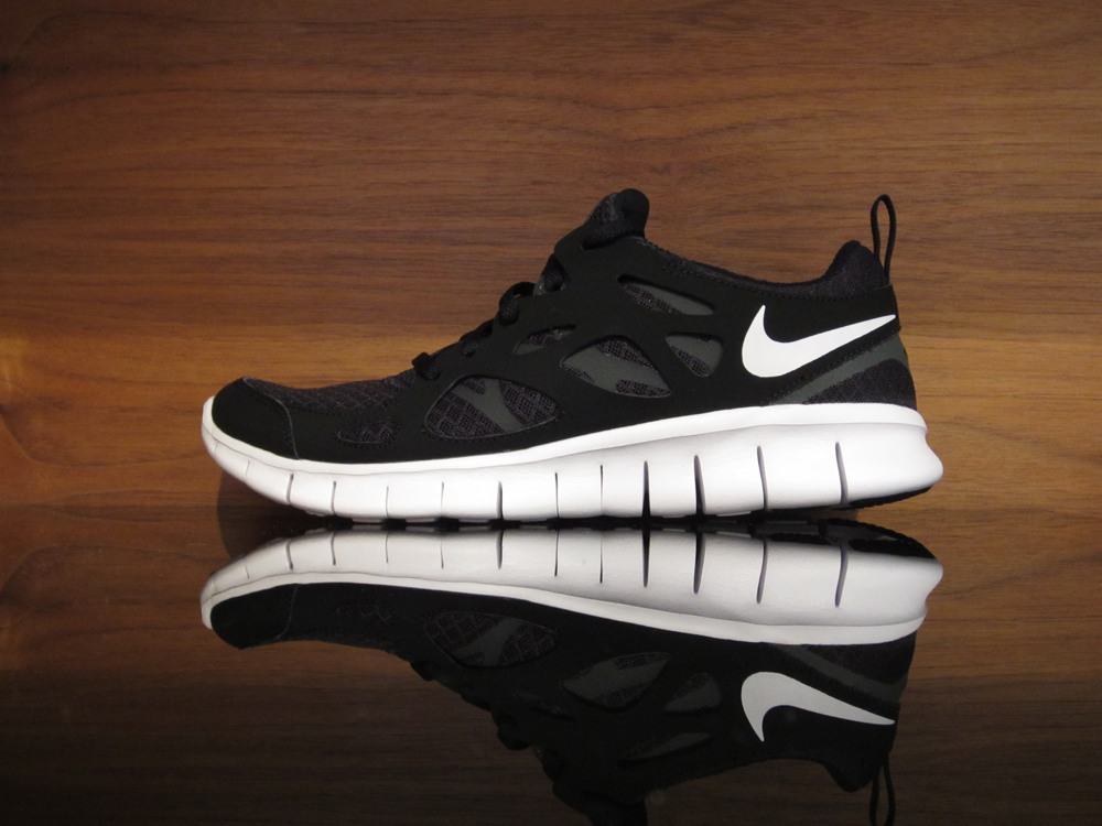Nike Free Run 2.0 Grade School. Black, White, Anthracite. 443742-001