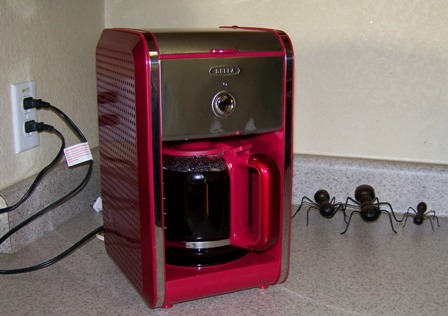BELLA Dots Coffee Maker Review ~ Planet Weidknecht