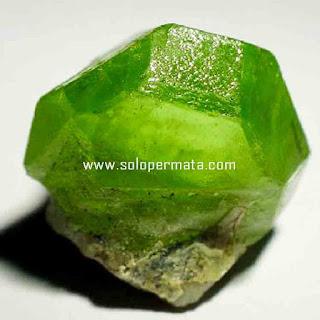 Artikel Batu Permata Natural Peridot
