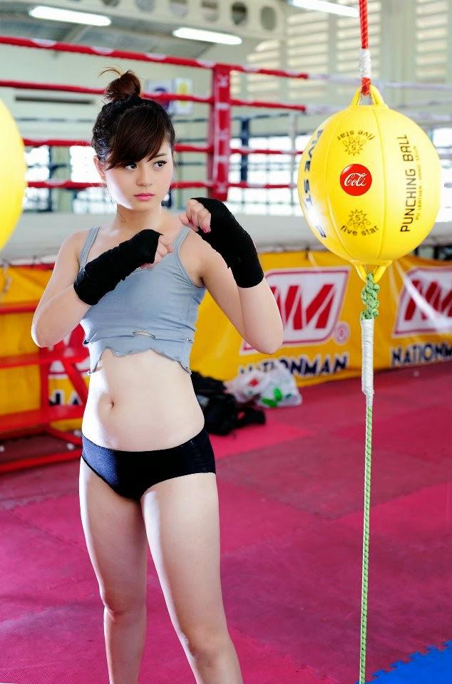 Hotgirl Châu Dương sexy với trang phục boxing 2