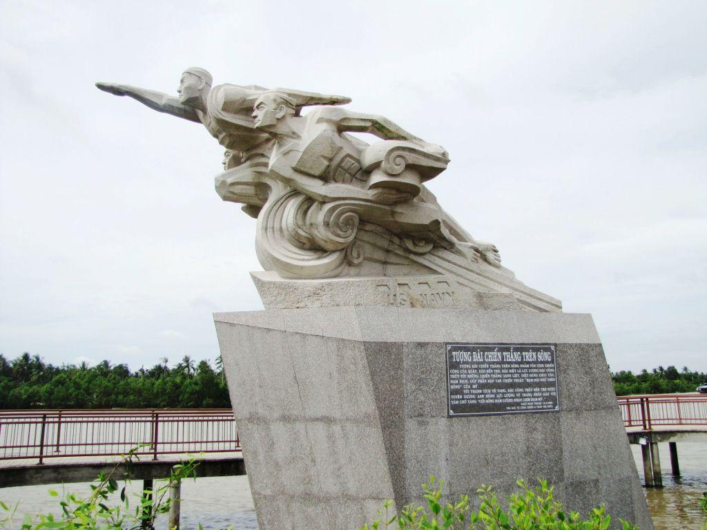 Tượng đài Chiến thắng bến tre