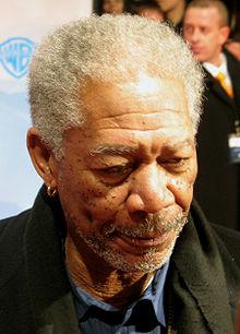 El conocido actor Morgan Freeman, una de las caras más reconocidas de Hollywood, sufre Dermatosis Papulosa