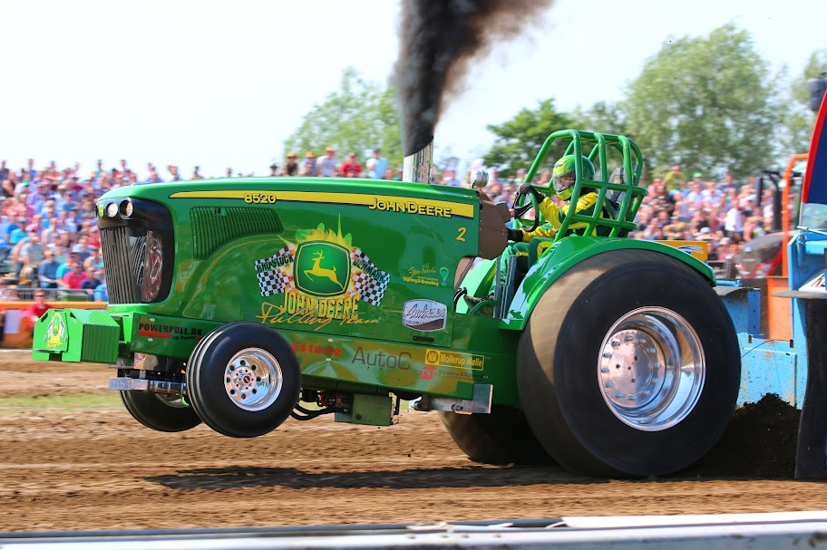 Pro Stock Garden Tractor Puller : Tractor pulling news pullingworld the first euro
