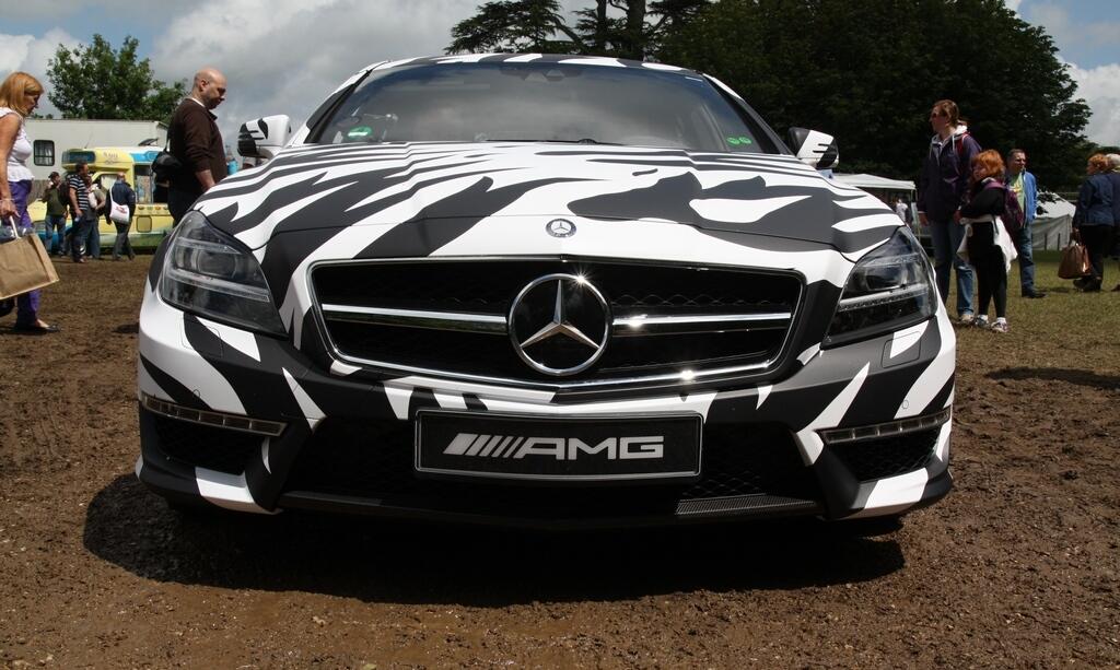 car news goodwood 2012 mercedes benz cls 63 amg shooting brake mule on car news. Black Bedroom Furniture Sets. Home Design Ideas