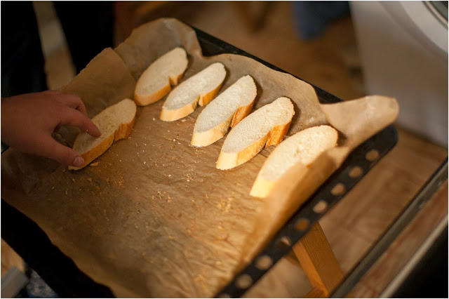 сушим хлеб в духовке