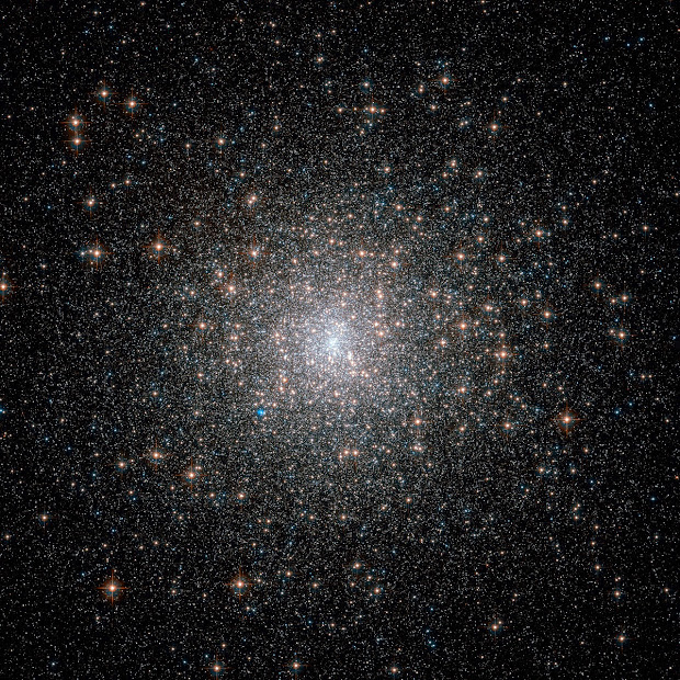 Hubble captures M15, an old but rich and bright Globular Cluster