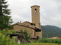 Sant Joan de Vilada amb el seu alt campanar