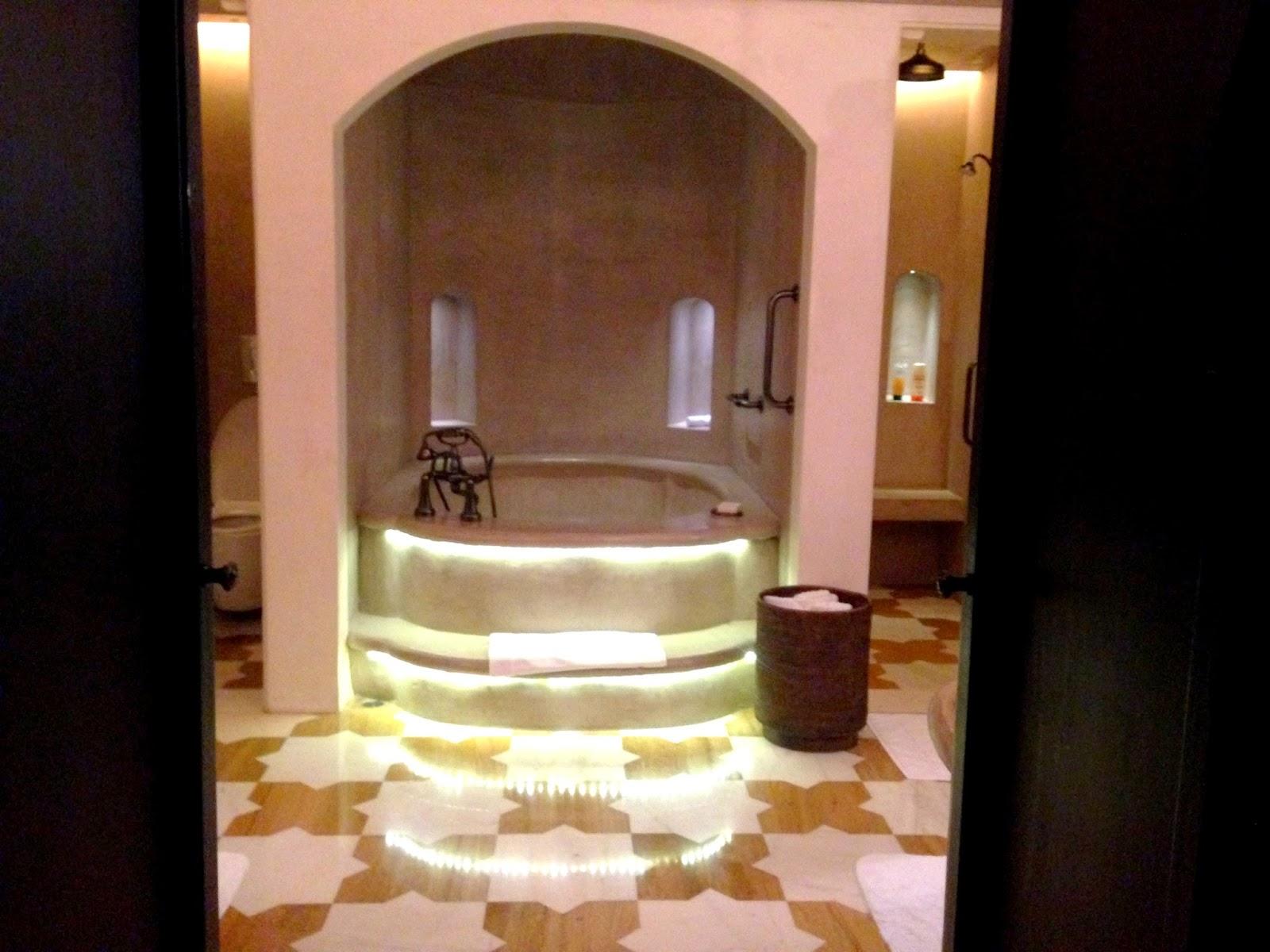 Luxury Bathroom at Fairmont Hotel Jaipur