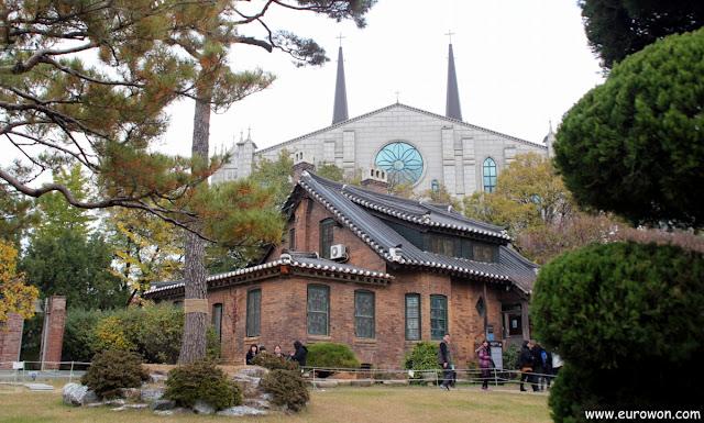 Construcciones religiosas del siglo XIX en Daegu