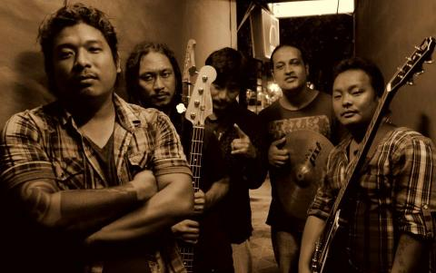 KASARI KAHA LUKAUN|THE EDGE BAND