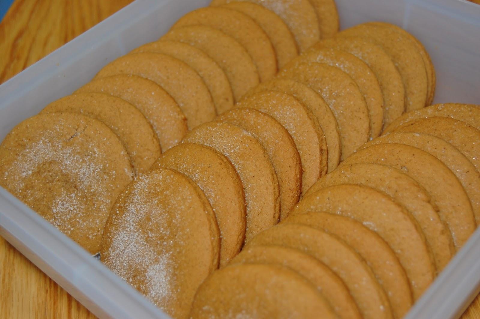 Mama Stellato: Old Fashioned Molasses Cookies