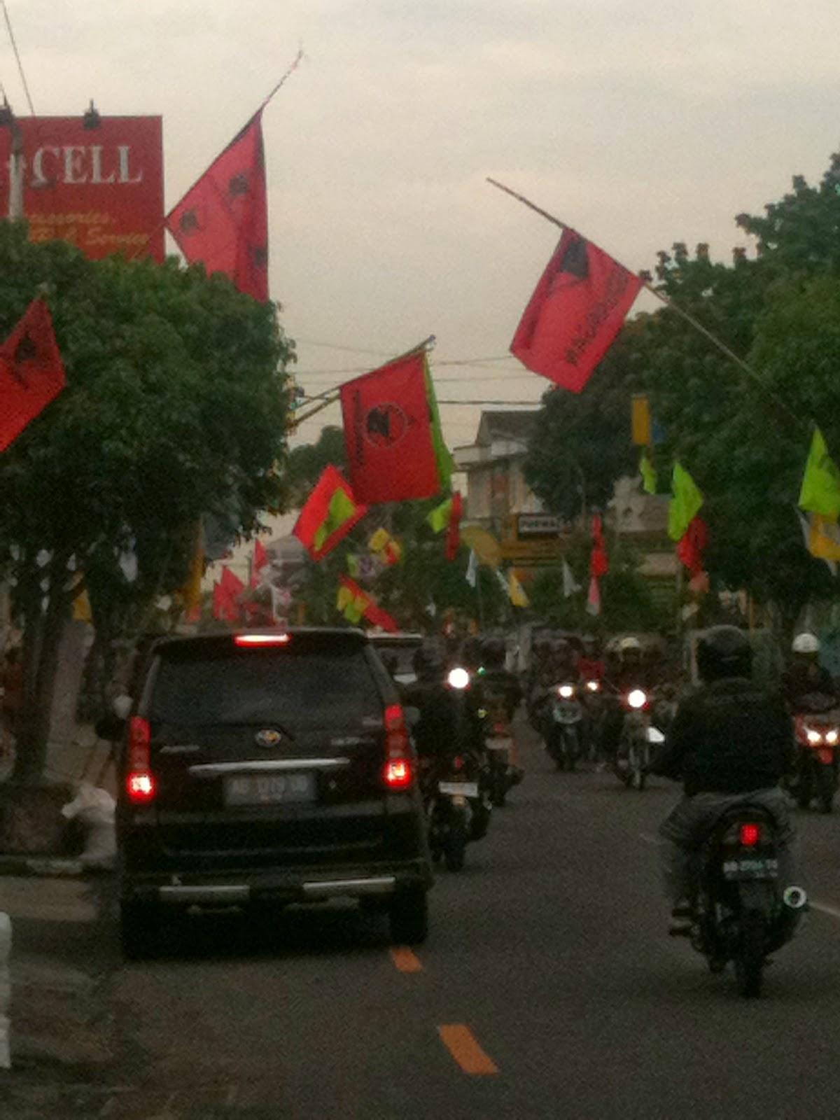 Atribut Kampanye Merusak Keindahan Kota Yogyakarta | Joogja Circles