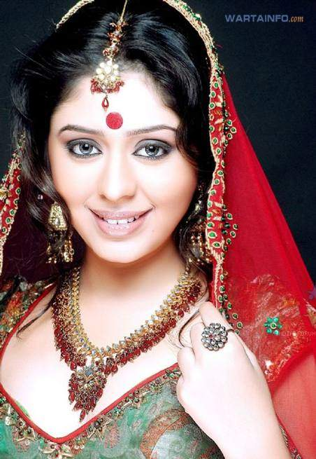 Profil Foto cantik Neha Sargam Artis Pemeran Dewi Sinta di Ramayana ANTV