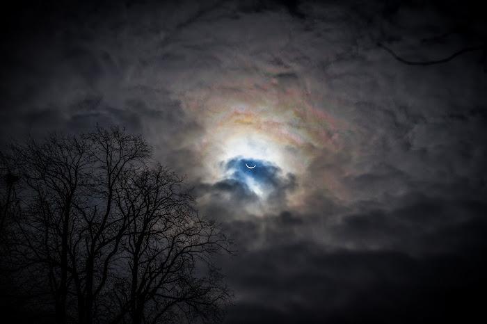 [Ftvh] Bầu trời dầy đặc mây khi diễn ra Nhật thực toàn phần ngày 20/3 vừa qua ở Irthington, Cumbria, Anh quốc. Tác giả : malcolm cooper.