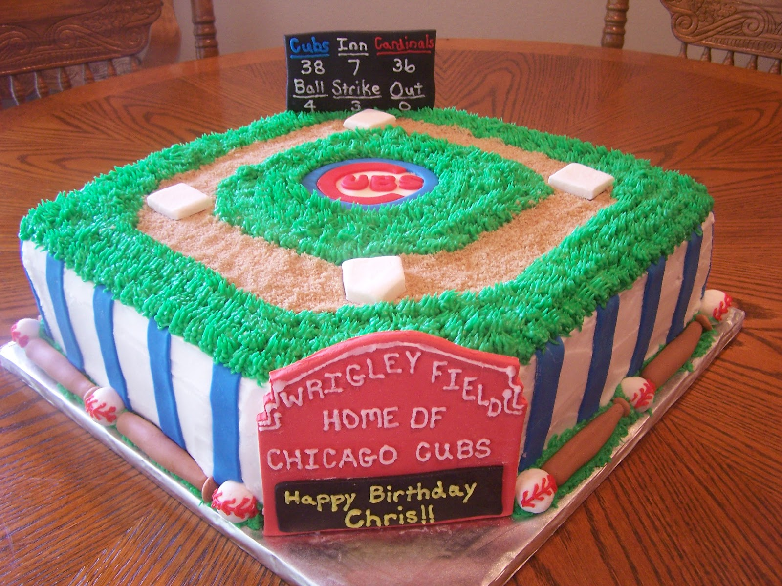 Heather Calvin Cakes Chicago Cubs Cake