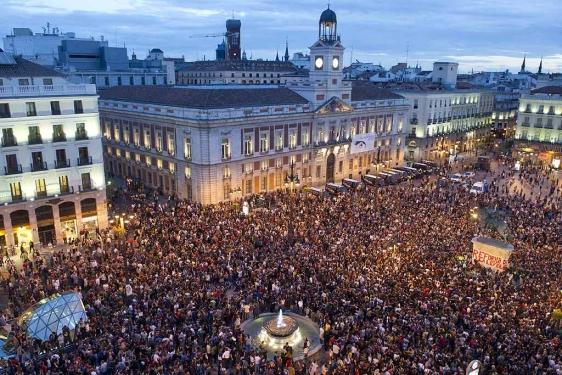 Antorcha encendida qu pasa que no escucho los reclamos for Puerta del sol ahora