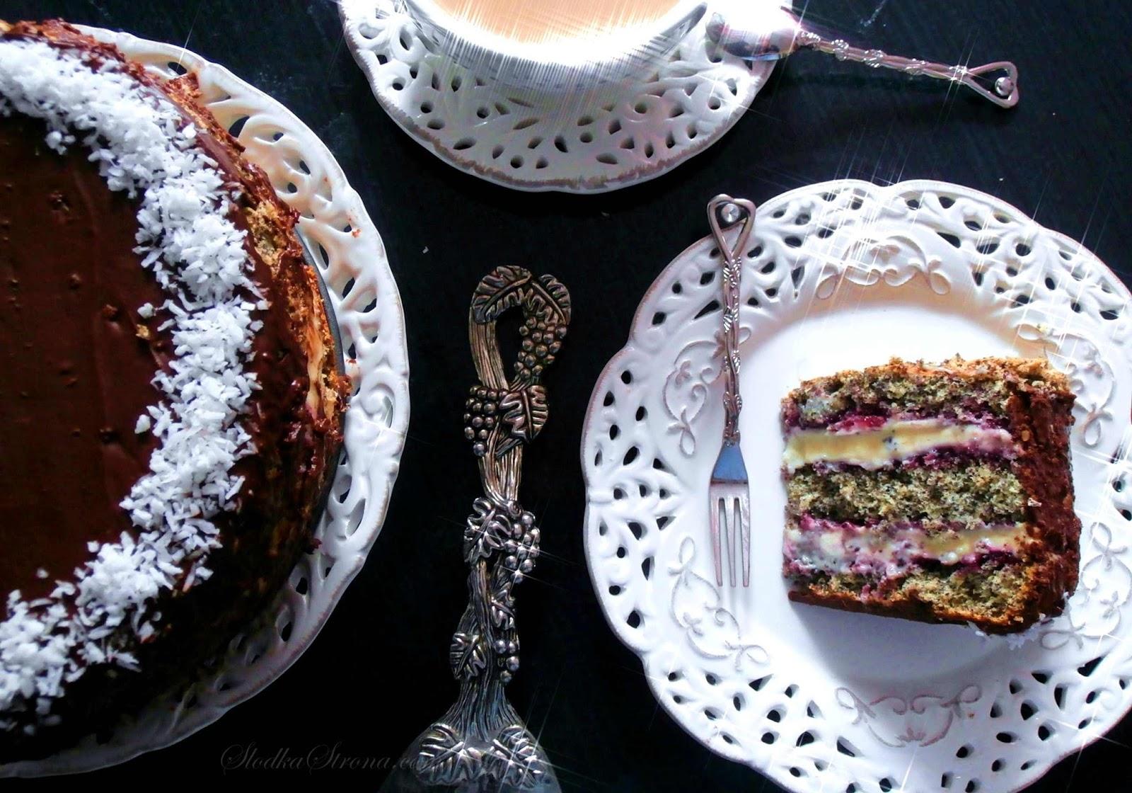 Tort Makowy z Masą Budyniową i Konfiturą z Czarnych Porzeczek - Przepis - Słodka Strona