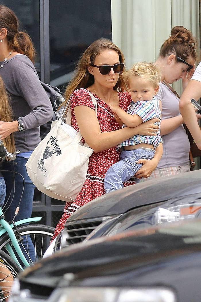 Natalie Portman in Western Style going Out for Lunch