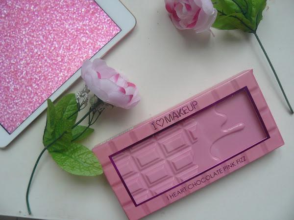 Pink fizz makeup revolution palette.
