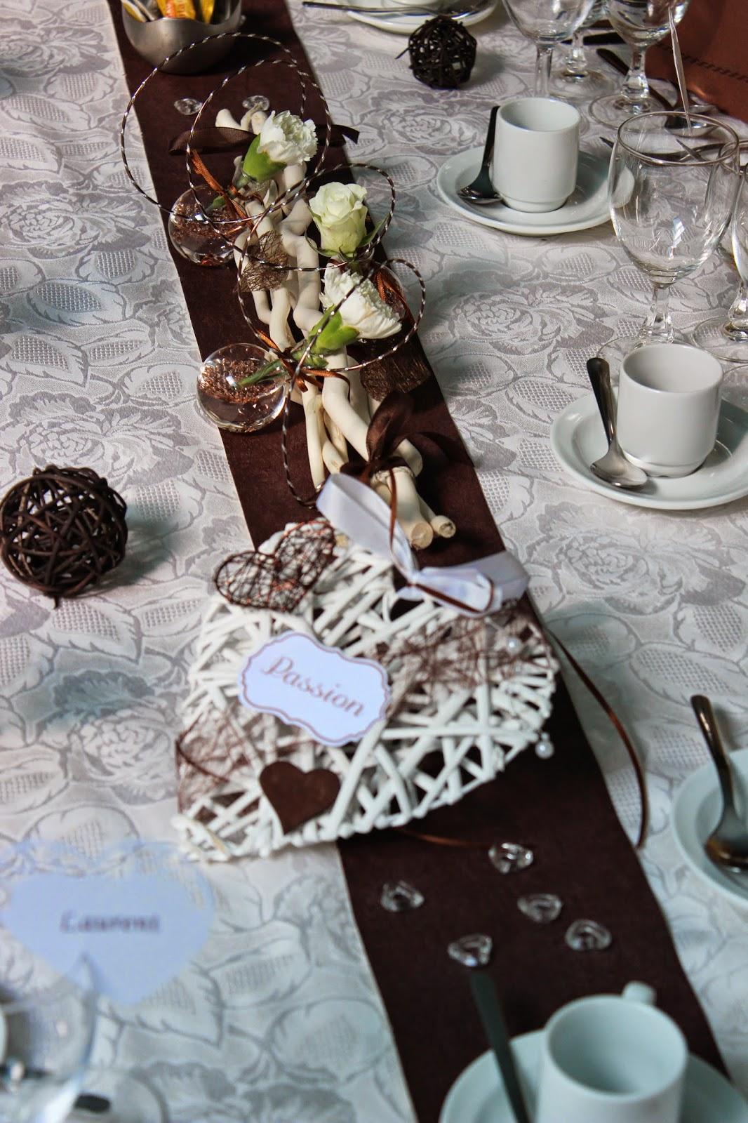 D coration de mariage th me c ur couleurs marron et blanc for Mariage theme bois flotte