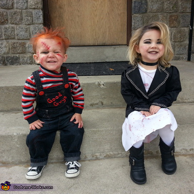 Bunz blogger 7 frugal adorable diy halloween costumes for baby how adorable is this dual costume this 90s pop culture phenomenon is bound to be recognized by both adults and children alike besides 2 adorable tots all solutioingenieria Choice Image