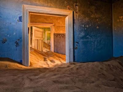 Kolmanskop no deserto da Namíbia
