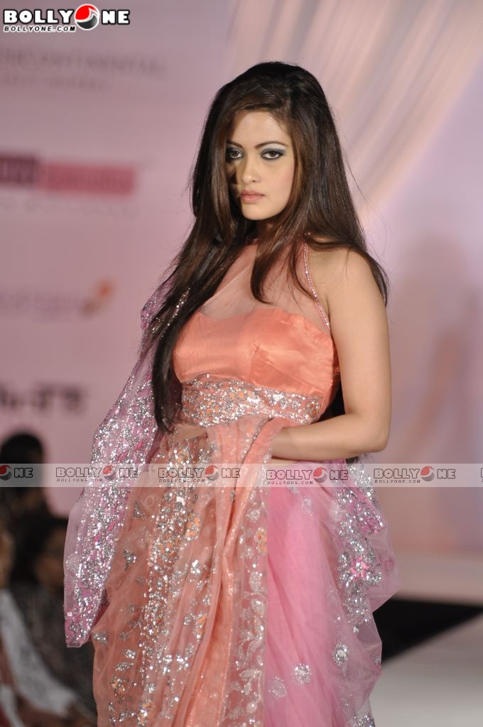 Hot Riya Sen Walks the Ramp at CPAA Fashion Show