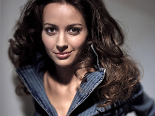 Amy Acker Dressing