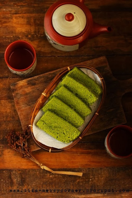 How to Make Matcha Blondies