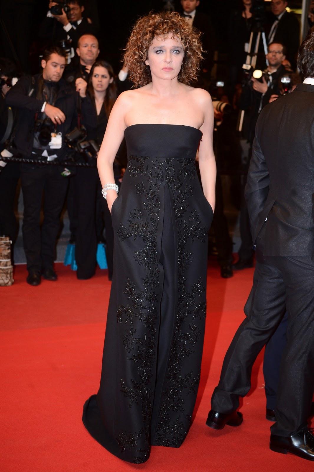 Valeria Golino y el espectacular brazalete de Dior