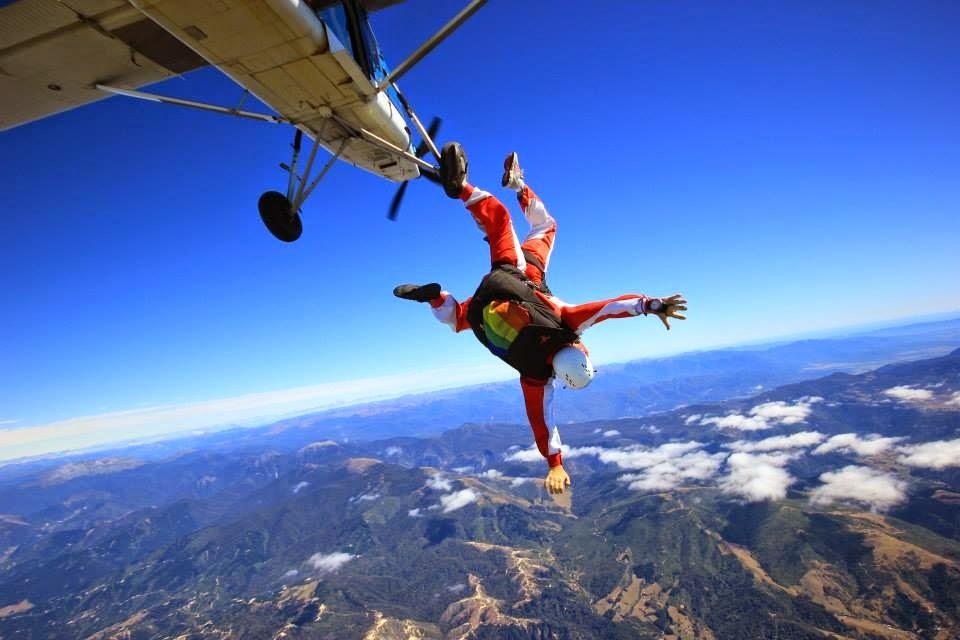Saltando por paracaidas | Bitácoras Viajeras