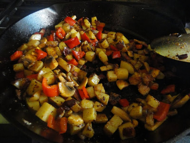 Odds-And-Ends-Breakfast-Bacon-Potatoes-Onion-Mushrooms-Bell-Pepper-Granulated-Garlic.jpg