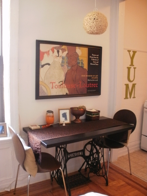 Mesas de comedor y desayunadores hechos con bases de - Mesa para maquina de coser ikea ...